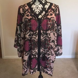 Gibson Latimer 2x pink and navy print blouse